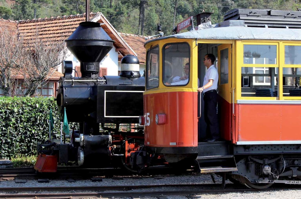 Pindamonhangaba-Ferrovias-Maria-Fumaca-Bondinho-EFCJ-bx