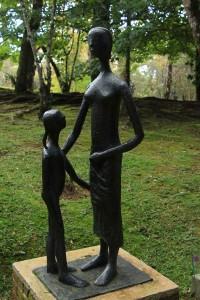 Campos-do-Jordao-Artes-Museu-Felicia-Lerner-mae-e-filha-50-55