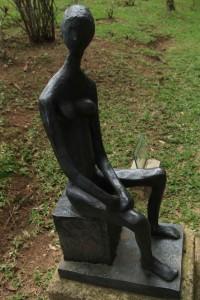 Campos-do-Jordao-Artes-Museu-Felicia-Lerner-moca-sentada-II-50 - 55