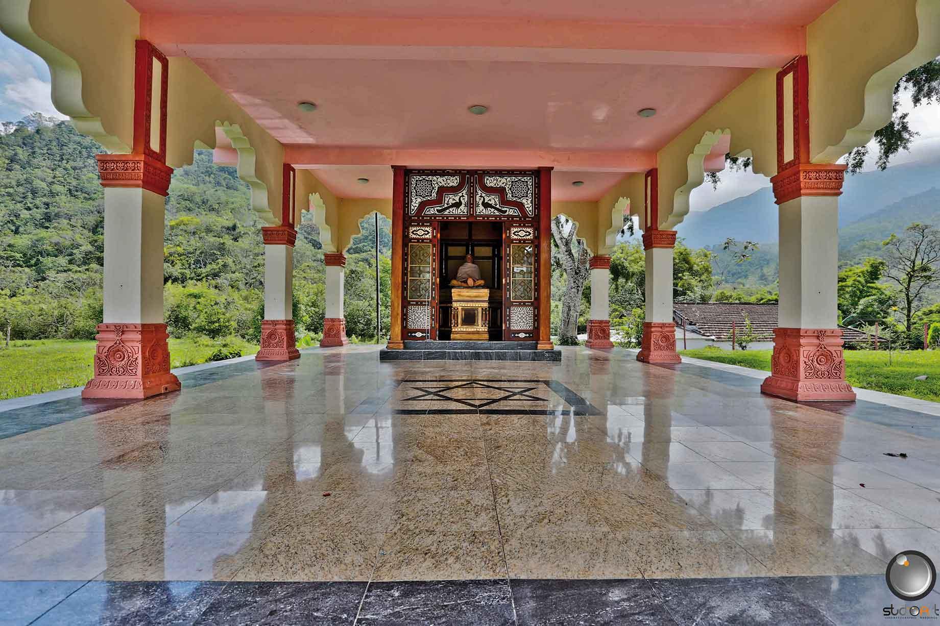 Fazenda Nova Gokula-Pindamonhangaba-Turismo-Espiritural-Bem-Estar-Fazenda-Nova-Gokula-bx