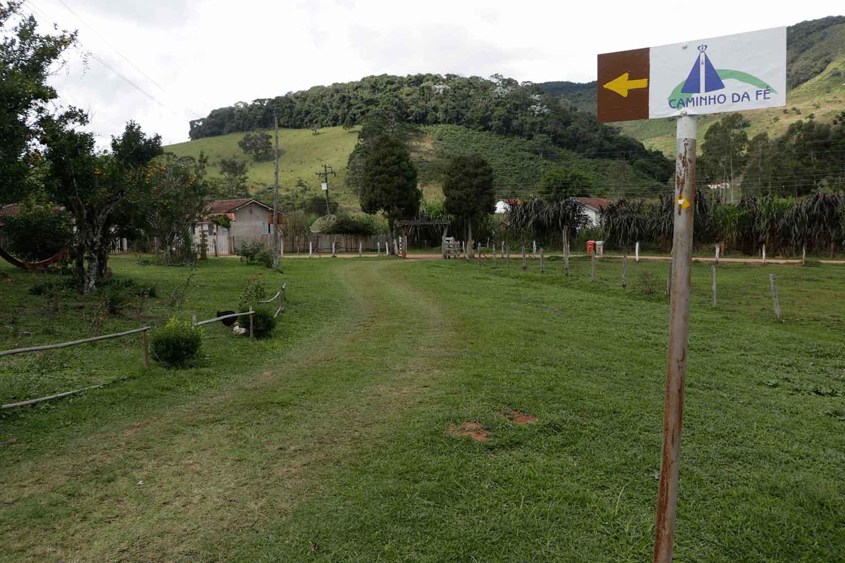 Sao-Bento-do-Sapucai-Turismo-Rural-Bairro-do-Cantagalo-caminho-fe-_MG_6259-bx
