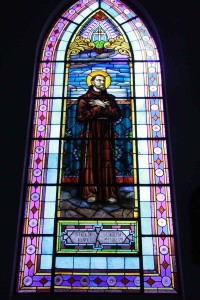 Campos-do-Jordao-Turismo-Religioso-Igreja-Santa-Terezinha-Matriz-vitral-IMG_0445