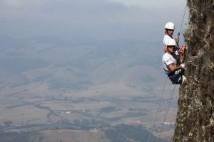 Extrema-Esportes-Montanhismo-Rapel-Rota-dos-Ventos-bx