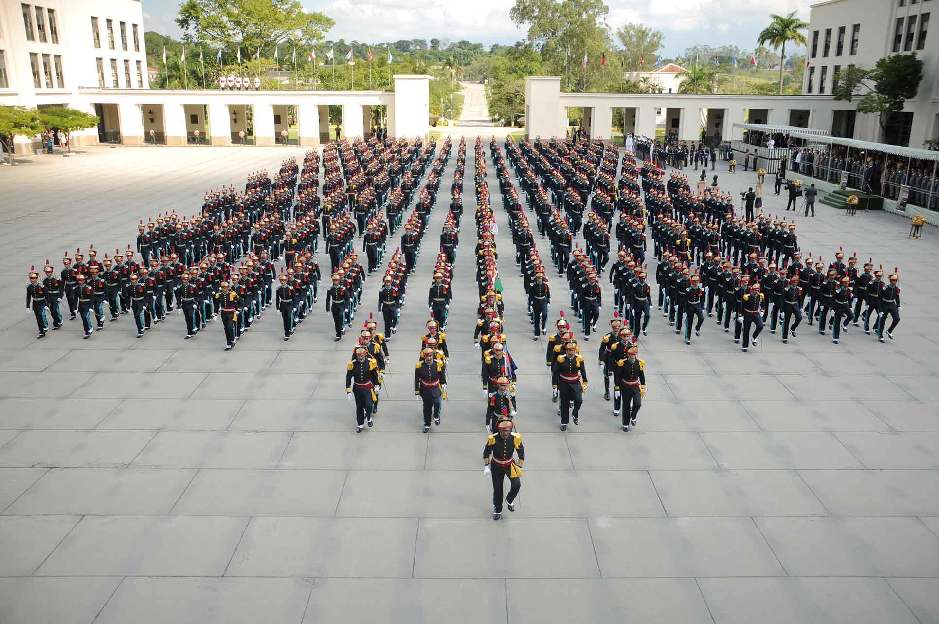 Resultado de imagem para academia militar das agulhas negras