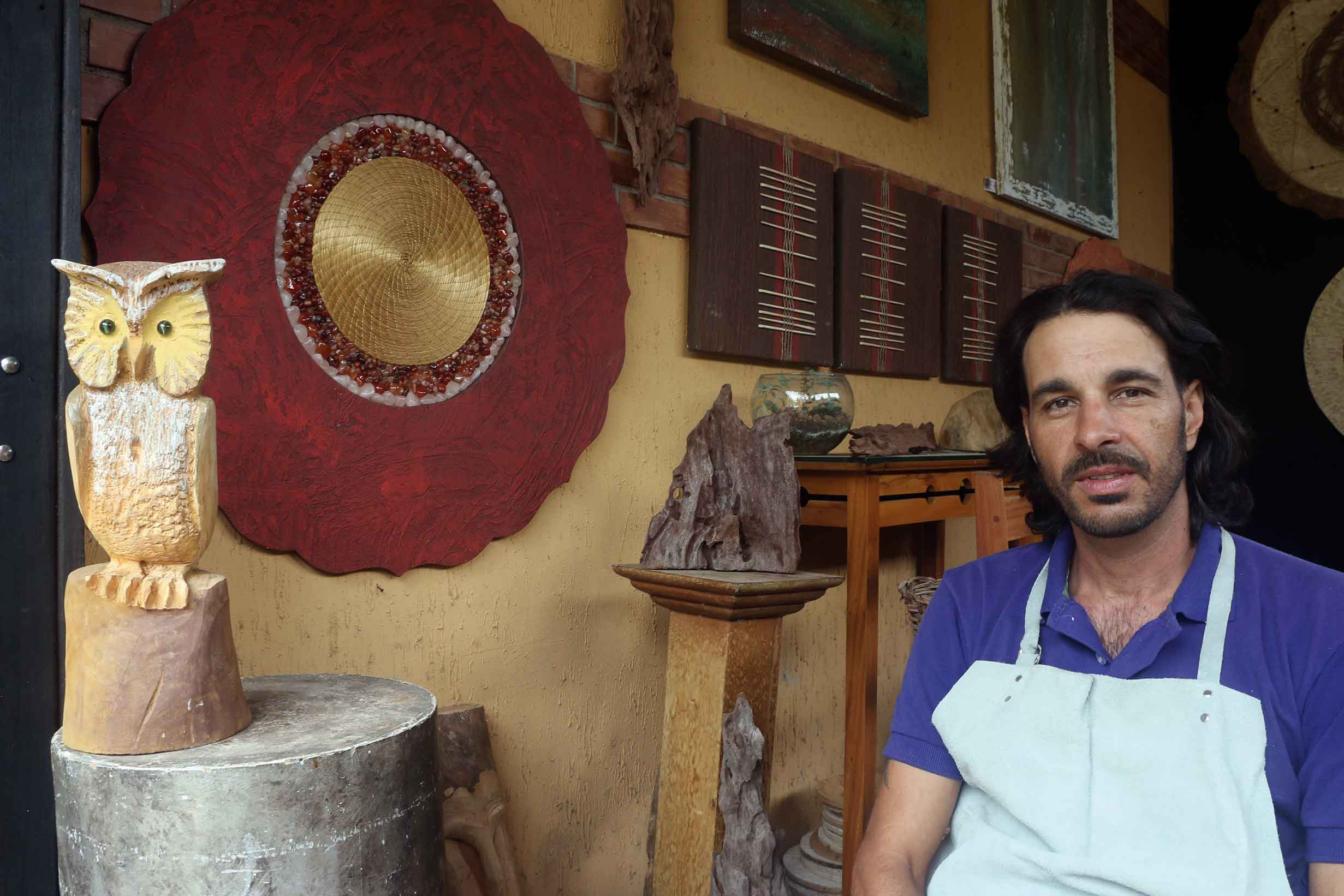 Visconde-de-Maua-Artes-Fabio-Genovesi-pedras-sementes-fibras-bx