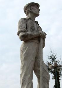 Monumento ao Herói Imigrante 1983 - Vinhedo