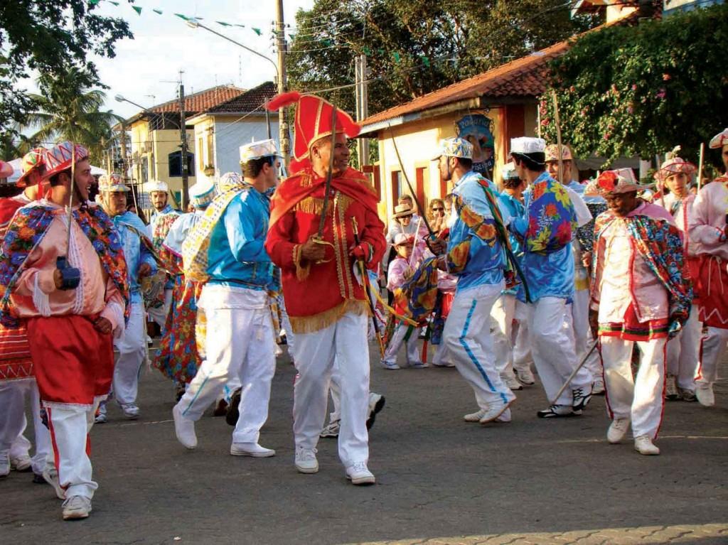Folclore de Ilhabela-ilhabela-folclore-congada-665-bx