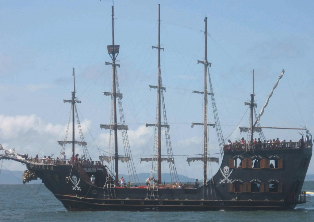 Piratas em Ilhabela-ilhabela-historia-piratas-galeao-bx