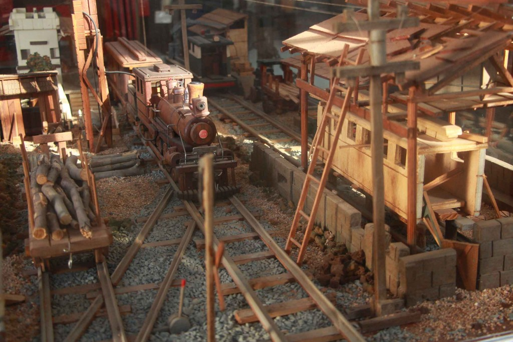 Estações de trem no Circuito das Frutas-indaiatuba-ferrovias-maquete-patio-ivan-demartin-IMG_7714-bx