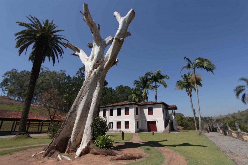 jarinu-historia-museu-fazenda-terra-brasil-fachada-bx