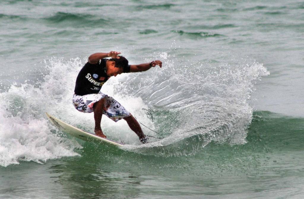 sao-sebastiao-esportes-Surfe-em-Maresias-bx