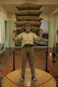 Jacinto - estivador de apelido Sansão suportava em seus ombros 300kg de café - imortalizado no Museu do Café