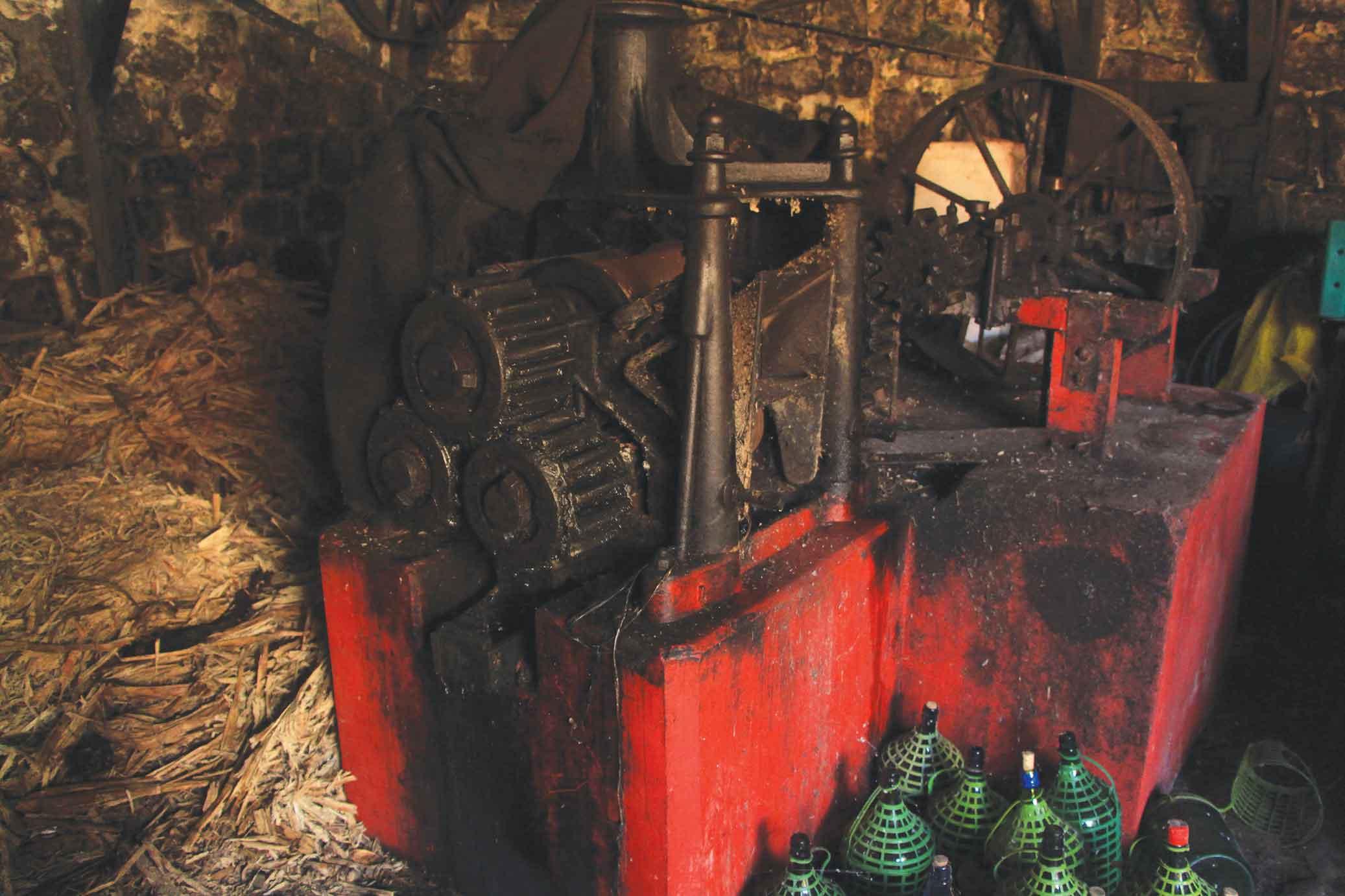 Alambique da Nova Cintra em Santos-santos-alambique-da-nova-cintra-moenda-cana-1951-bx