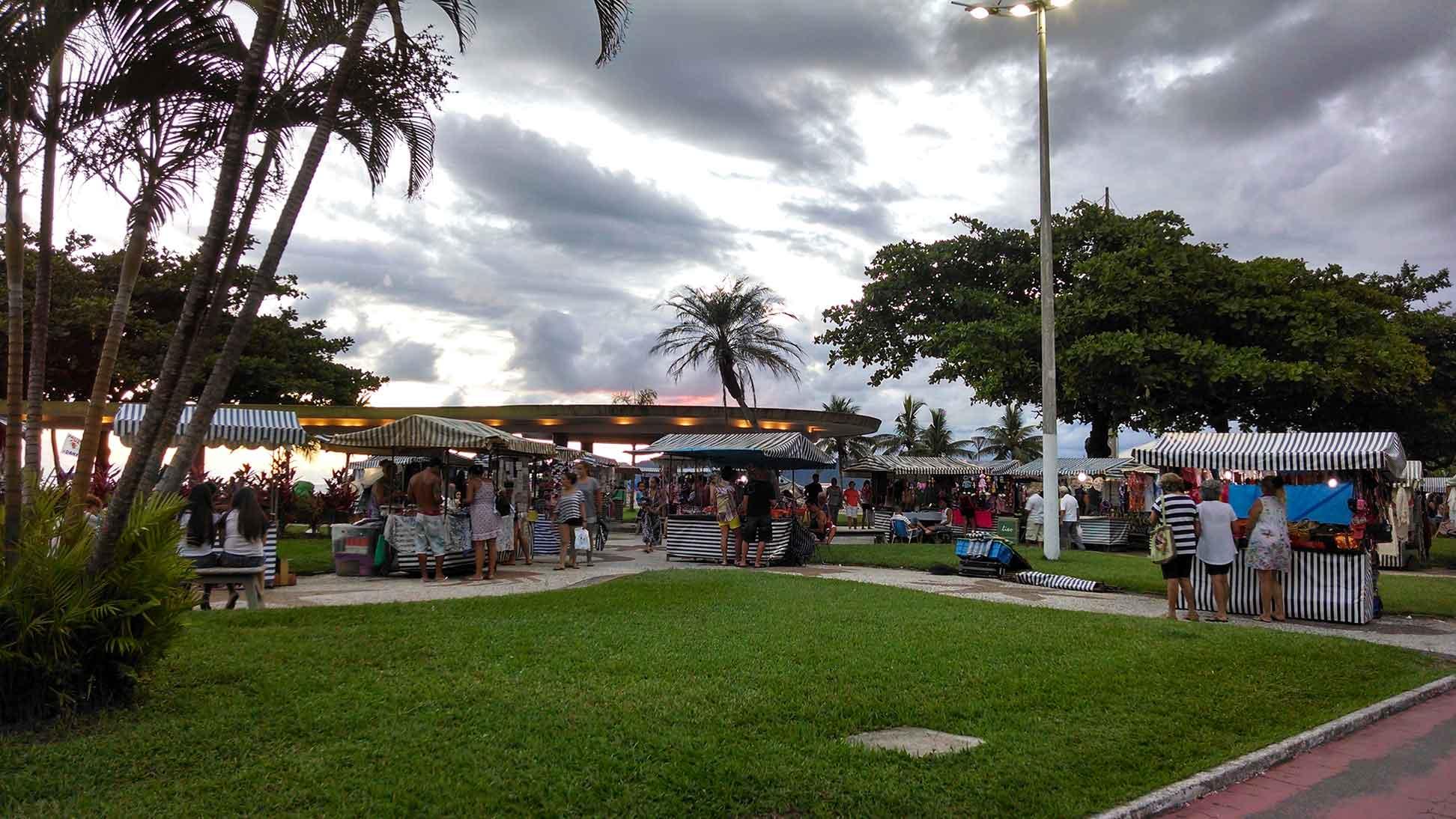 FeirartSantos – SESC e Boqueirão em Santos-santos-artesanato-feirart-praia-do-boqueirao-ft-nathalia-weber-bx
