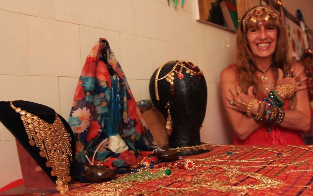 Artesanato Cigano em Santos-Cigana Aurora Boreau da Yago Bijoux