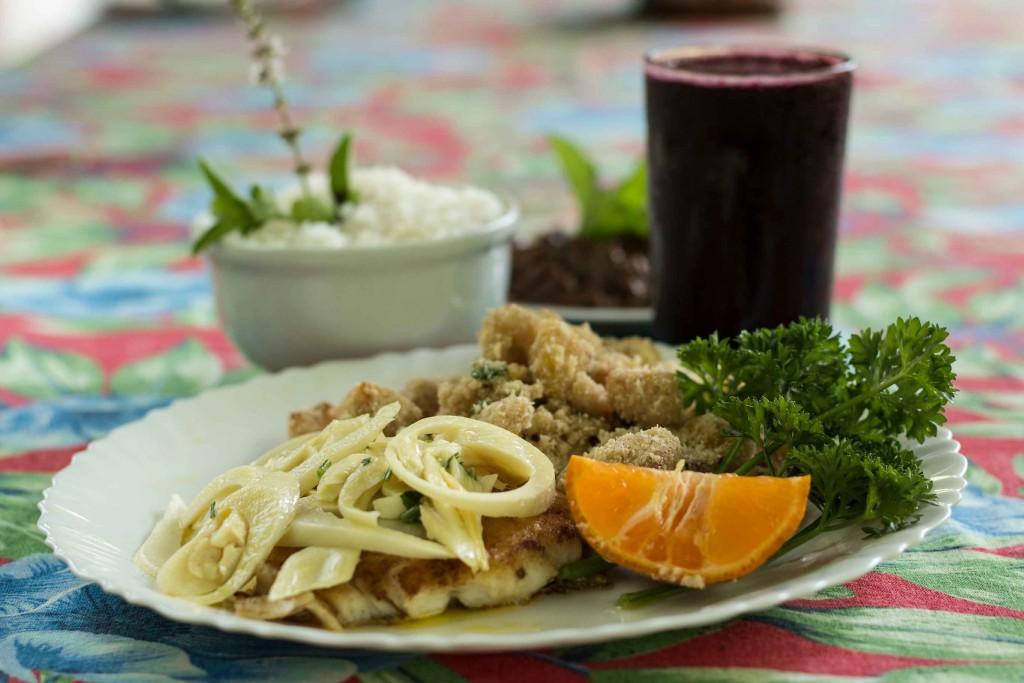 Aromas e Sabores na Rio-Santos - Peixe à moda quilombola Restaurante do Quilombo - Paraty