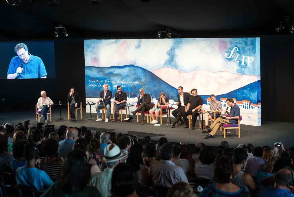 Arte na RIo-Santos -Paraty-Festival-Literario-de-Paraty-2-bx