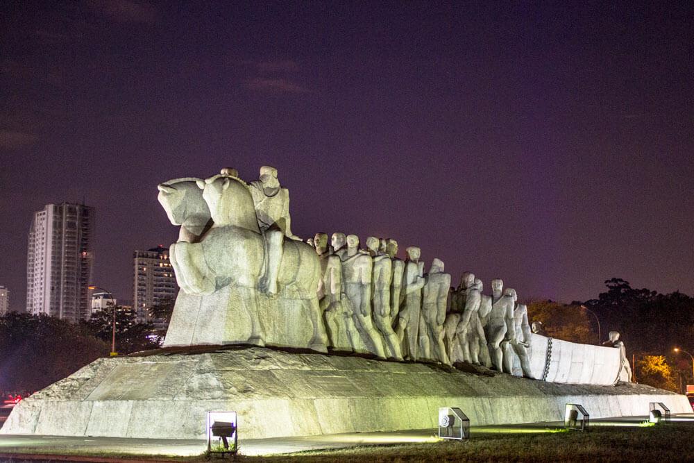 Monumento às Bandeiras - Victor Brecheret