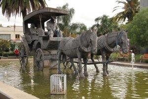 esculturas e monumentos-Monumento Carro de Molas - Foto Sandro Scheurmann