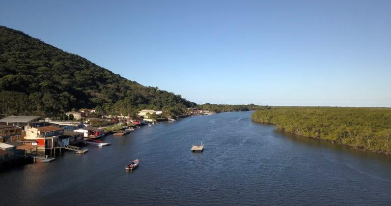 Vila do Ariri, uma fronteira disputada