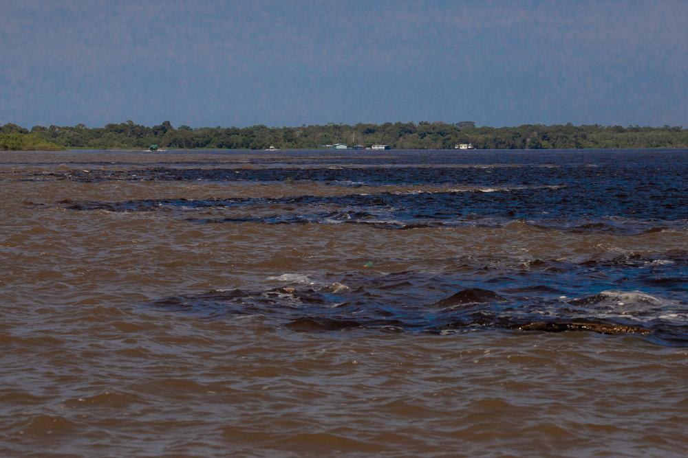 Rio Solimões e Rio Negro