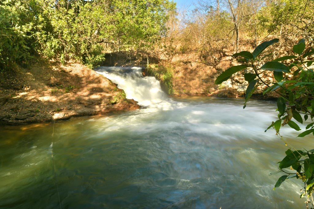 Serras Gerais - Cachoeira das Orquídeas – Foto Caroline Maki